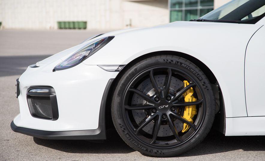 2016 Porsche Cayman GT4 - Slide 22