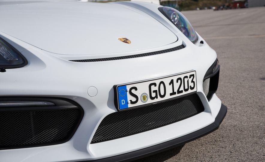 2016 Porsche Cayman GT4 - Slide 24