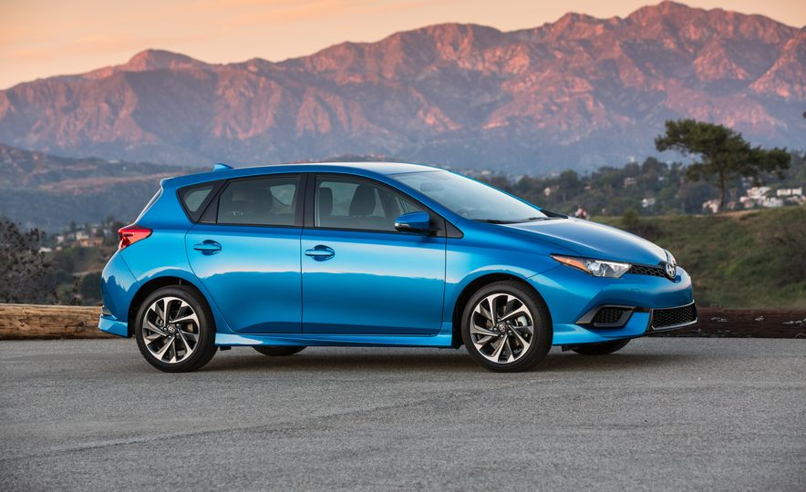 2016 Scion iM - Slide 20