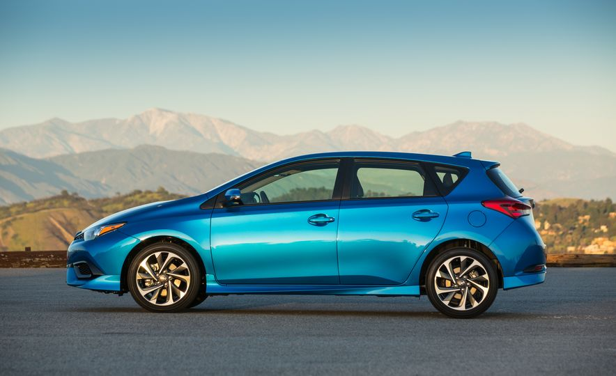 2016 Scion iM - Slide 25