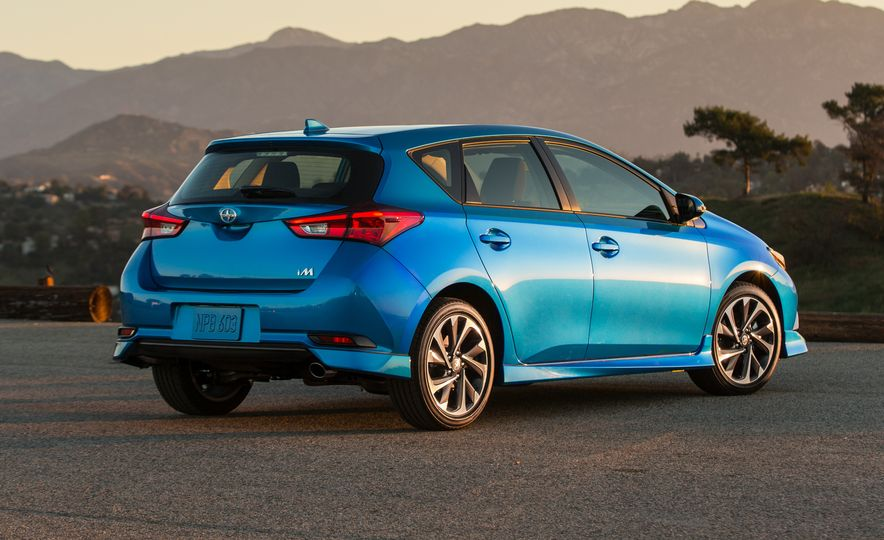 2016 Scion iM - Slide 26