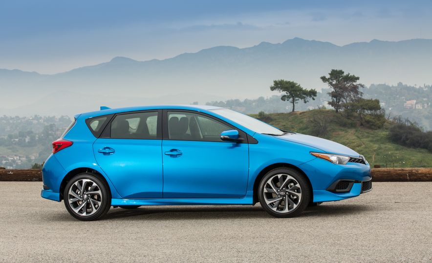 2016 Scion iM - Slide 29