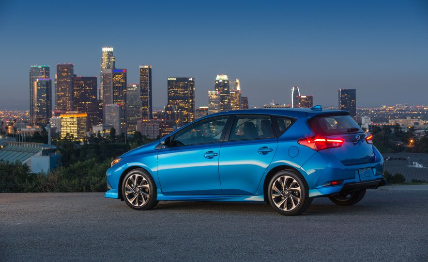 2016 Scion iM - Slide 30