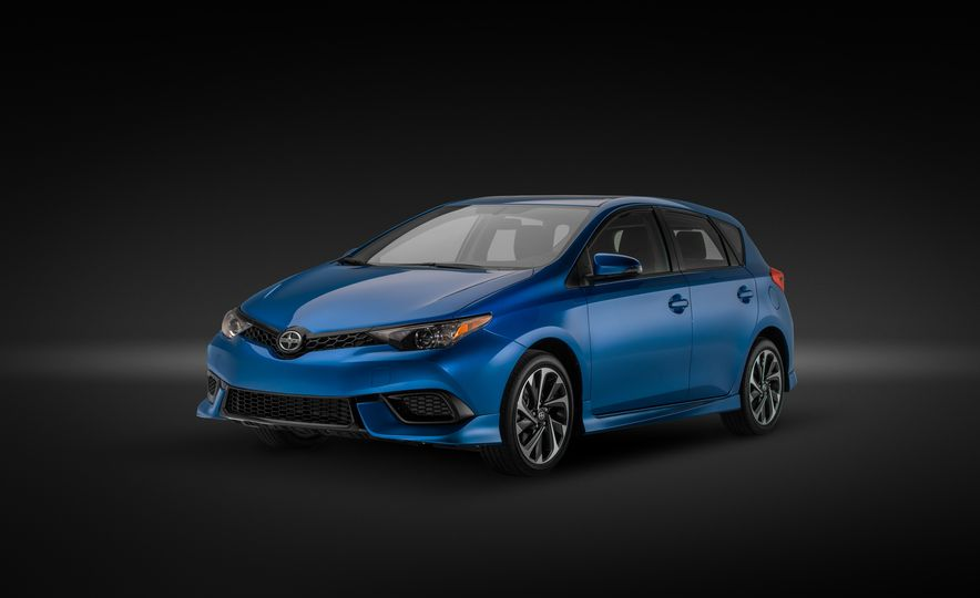 2016 Scion iM - Slide 32