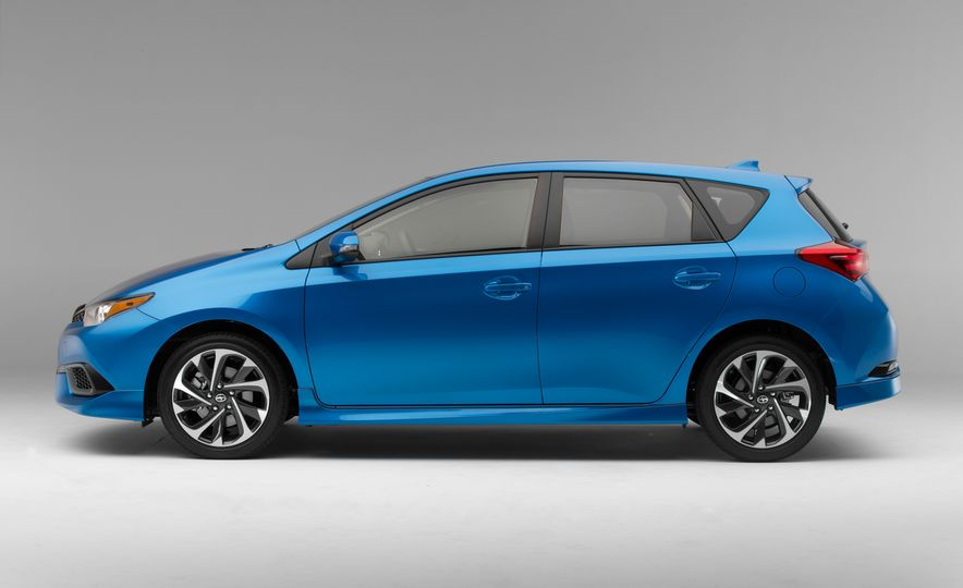 2016 Scion iM - Slide 35