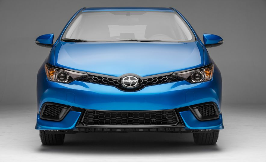 2016 Scion iM - Slide 36