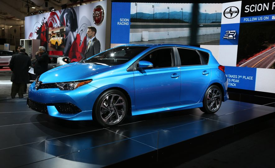 2016 Scion iM - Slide 1