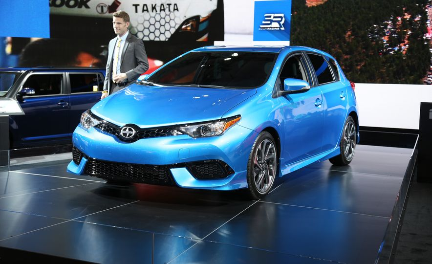 2016 Scion iM - Slide 2