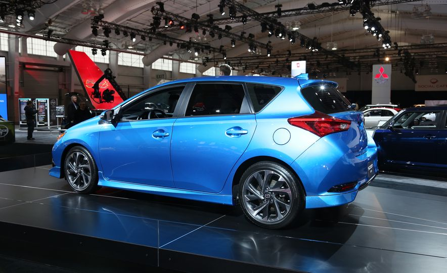 2016 Scion iM - Slide 5