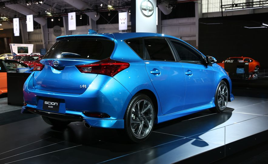 2016 Scion iM - Slide 9