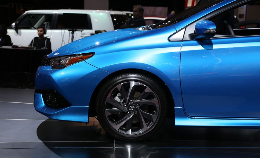 2016 Scion iM - Slide 12