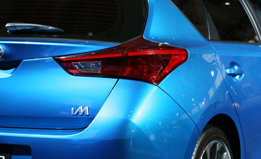 2016 Scion iM - Slide 16