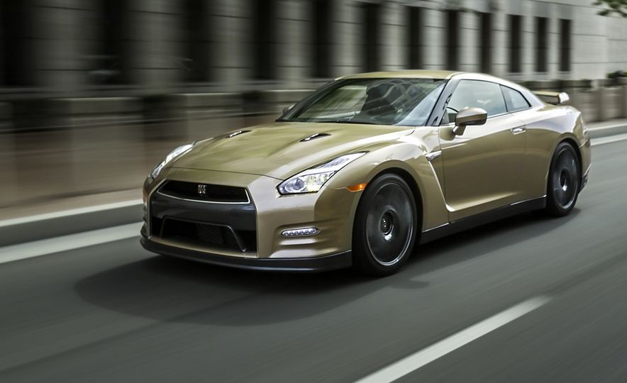 2016 Nissan GT-R 45th Anniversary Gold Edition - Slide 5