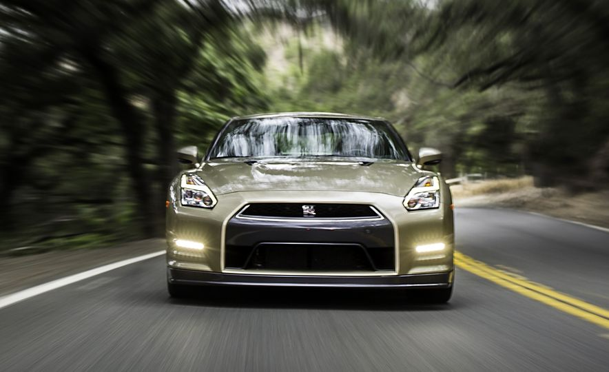 2016 Nissan GT-R 45th Anniversary Gold Edition - Slide 6