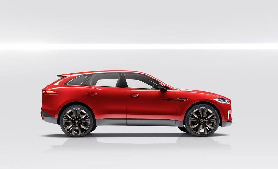 2017 Jaguar F-Pace concept - Slide 4