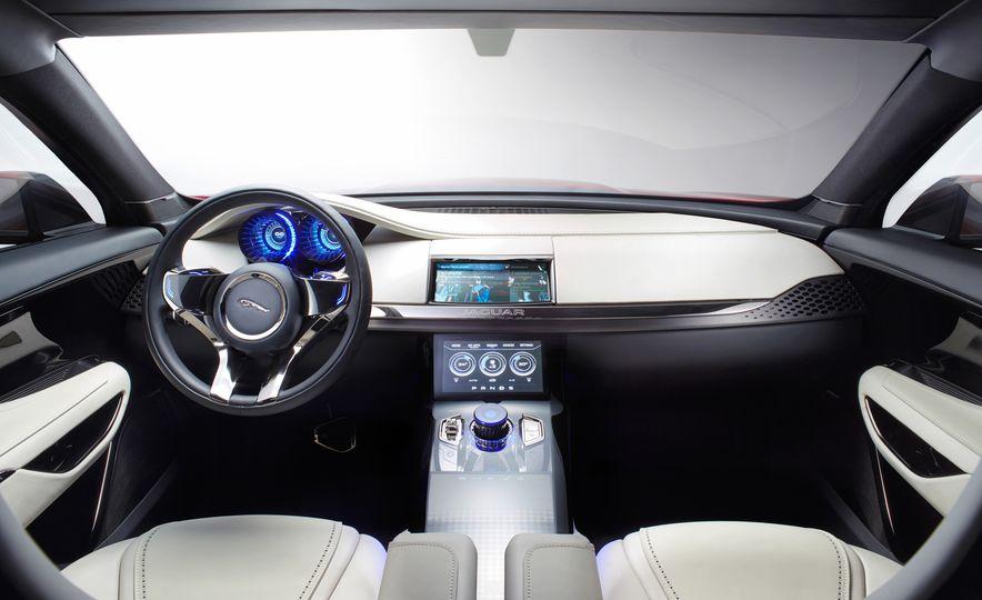 2017 Jaguar F-Pace concept - Slide 10