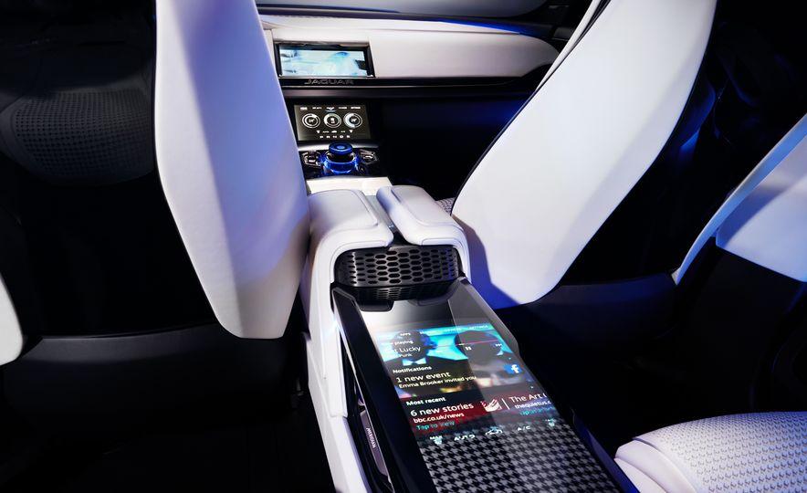 2017 Jaguar F-Pace concept - Slide 26