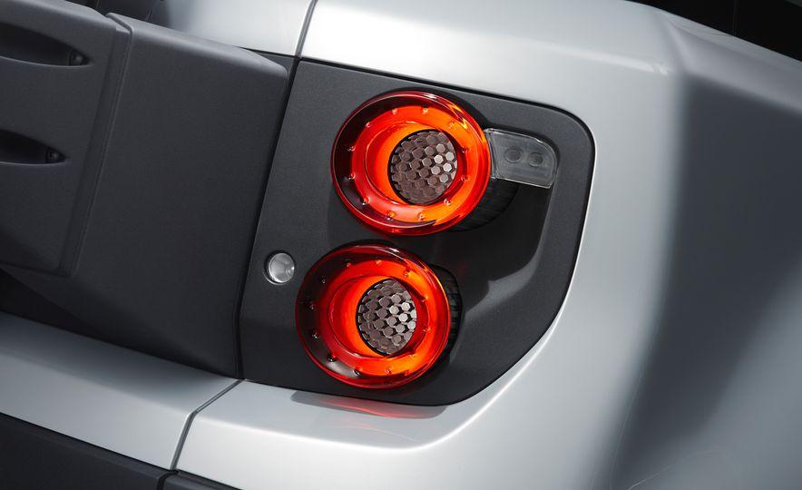 2018 Land Rover Defender concept - Slide 14