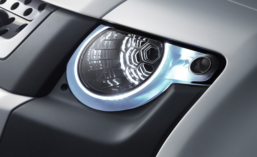 2018 Land Rover Defender concept - Slide 15