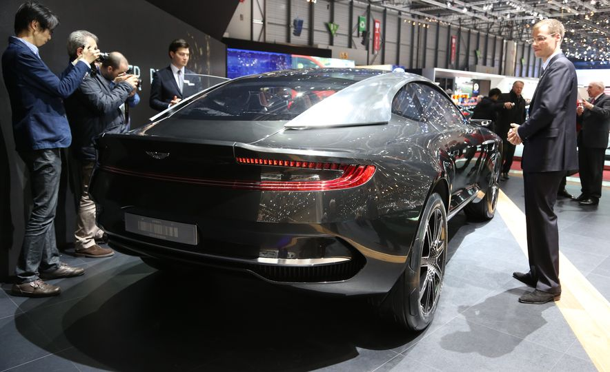 Aston Martin DBX concept - Slide 3