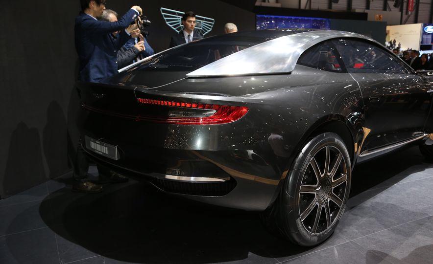 Aston Martin DBX concept - Slide 5