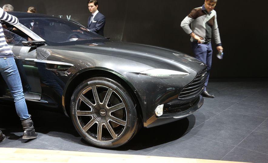 Aston Martin DBX concept - Slide 7