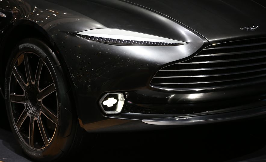 Aston Martin DBX concept - Slide 9