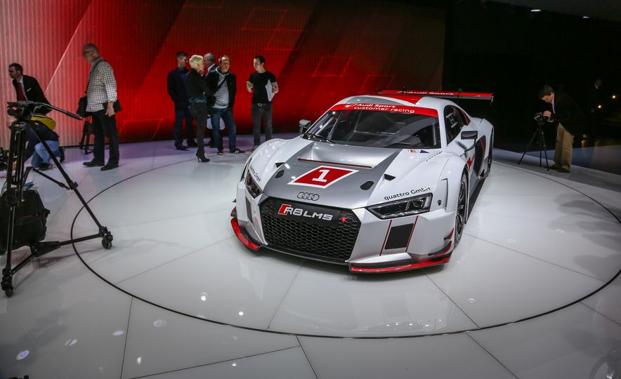 Audi R8 LMS race car - Slide 1