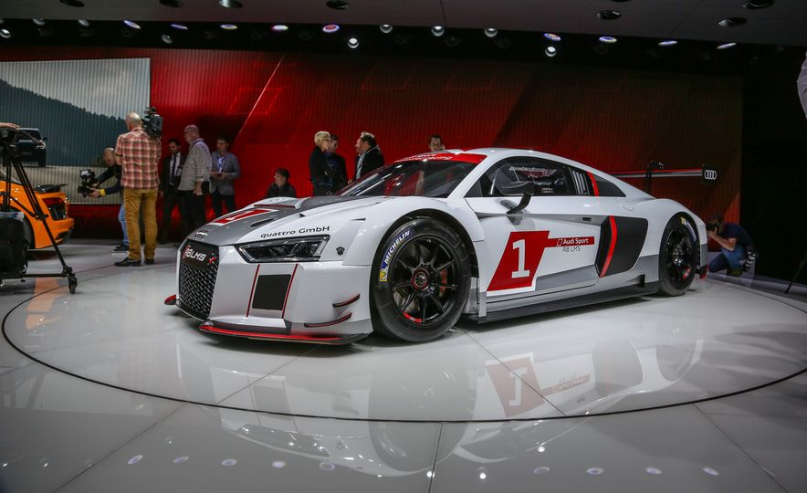 Audi R8 LMS race car - Slide 3