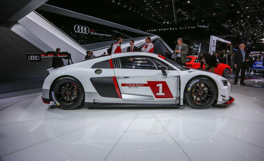 Audi R8 LMS race car - Slide 7