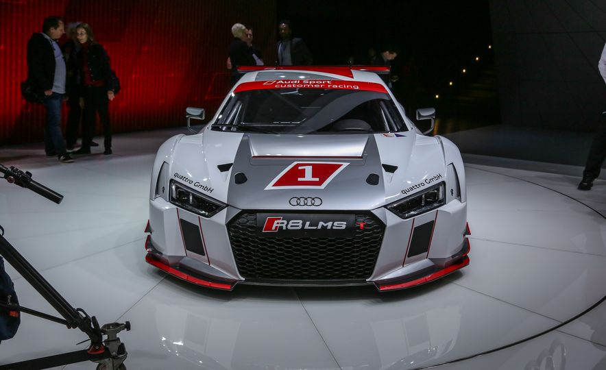 Audi R8 LMS race car - Slide 8