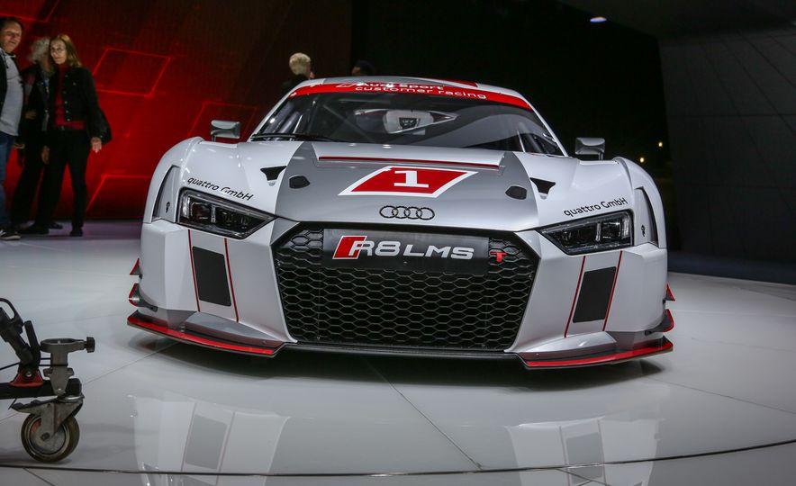 Audi R8 LMS race car - Slide 9