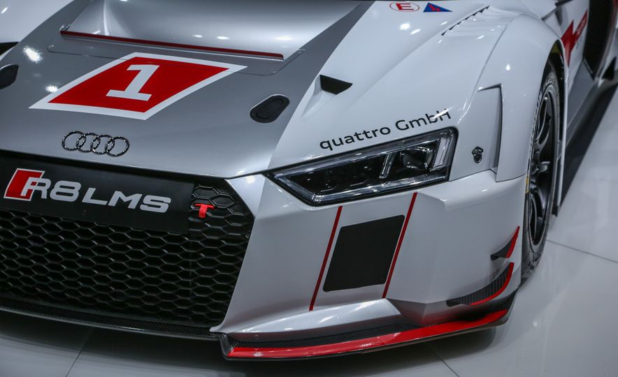 Audi R8 LMS race car - Slide 11