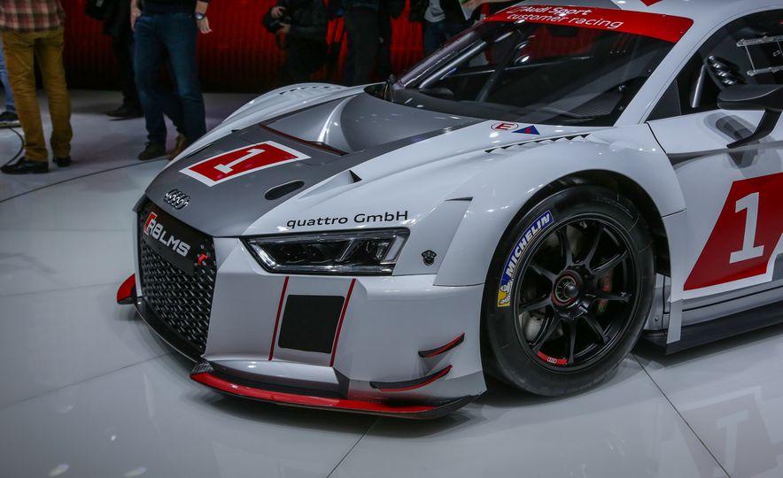 Audi R8 LMS race car - Slide 12
