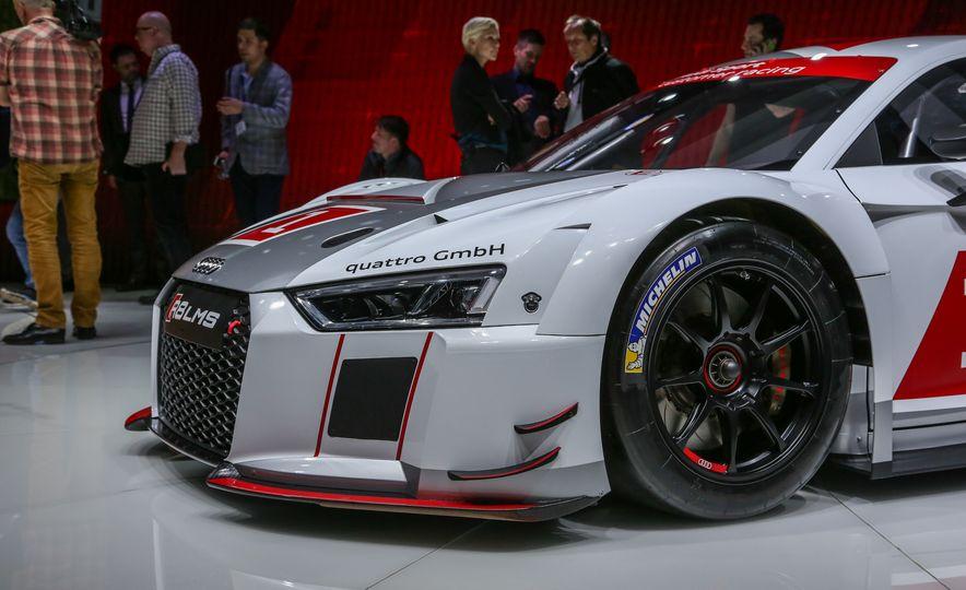 Audi R8 LMS race car - Slide 13