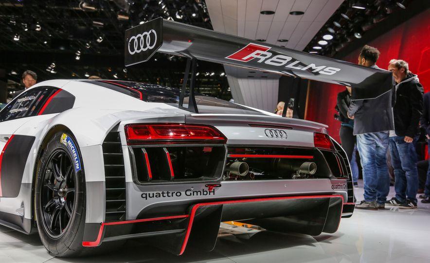 Audi R8 LMS race car - Slide 15