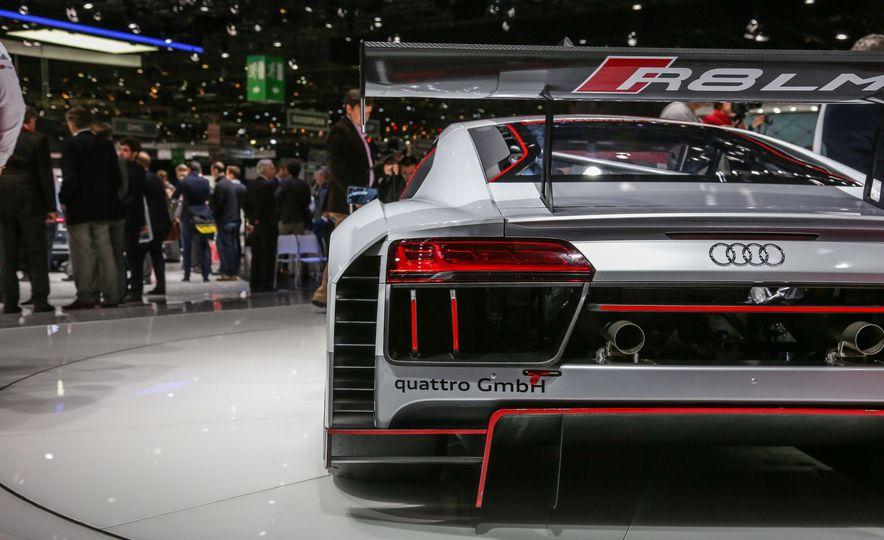 Audi R8 LMS race car - Slide 16