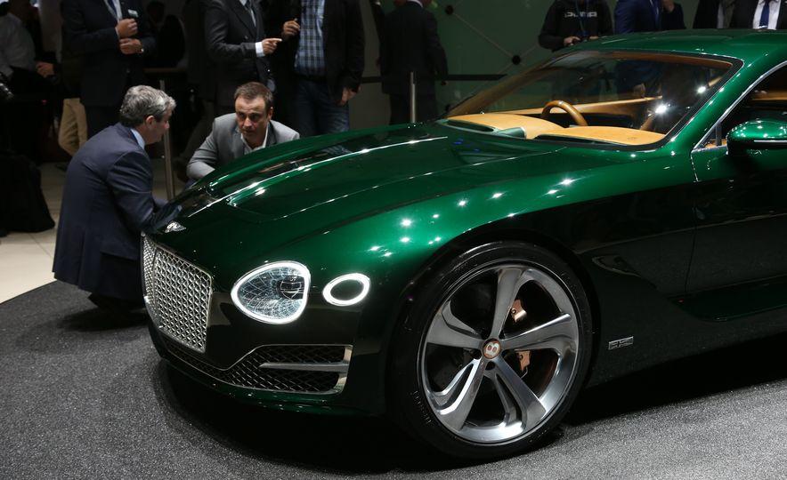 Bentley EXP 10 Speed 6 concept - Slide 13