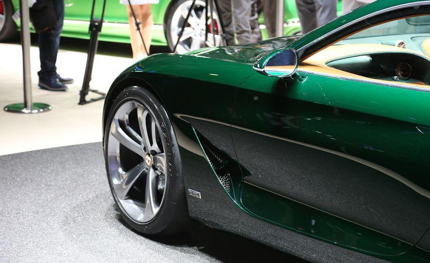 Bentley EXP 10 Speed 6 concept - Slide 15
