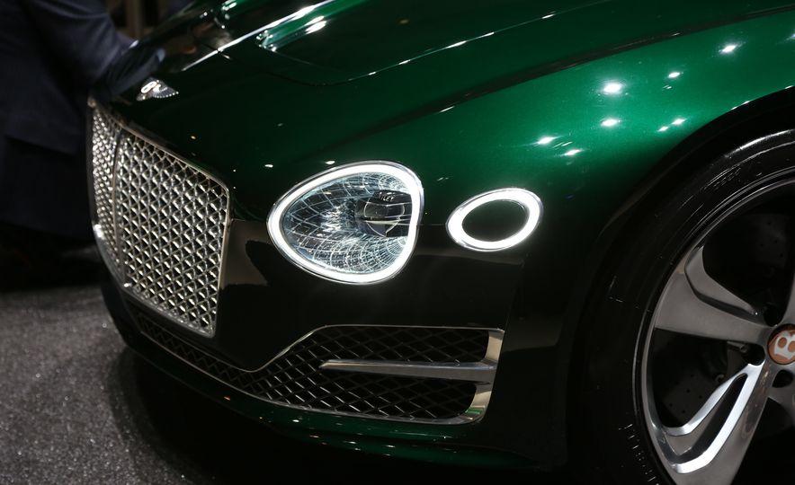 Bentley EXP 10 Speed 6 concept - Slide 25