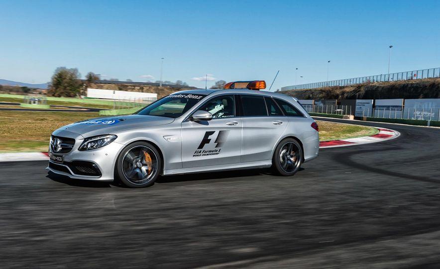 Mercedes-AMG GT S F1 safety car - Slide 10
