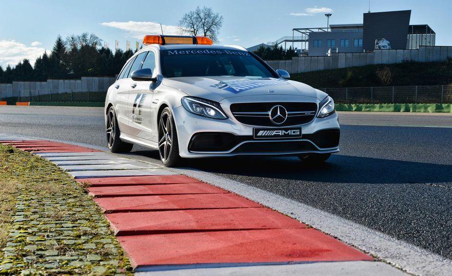 Mercedes-AMG GT S F1 safety car - Slide 12