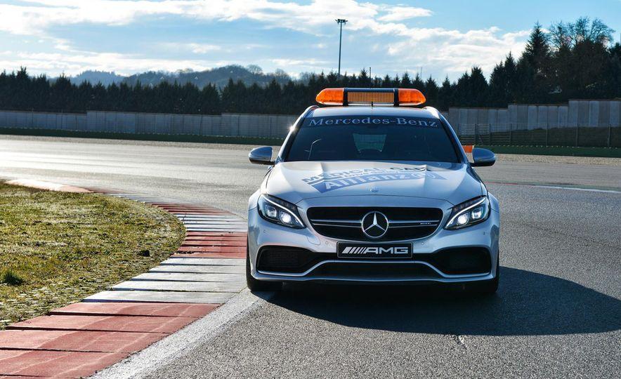 Mercedes-AMG GT S F1 safety car - Slide 13