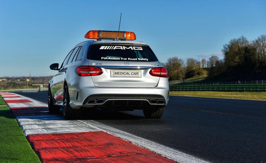 Mercedes-AMG GT S F1 safety car - Slide 14