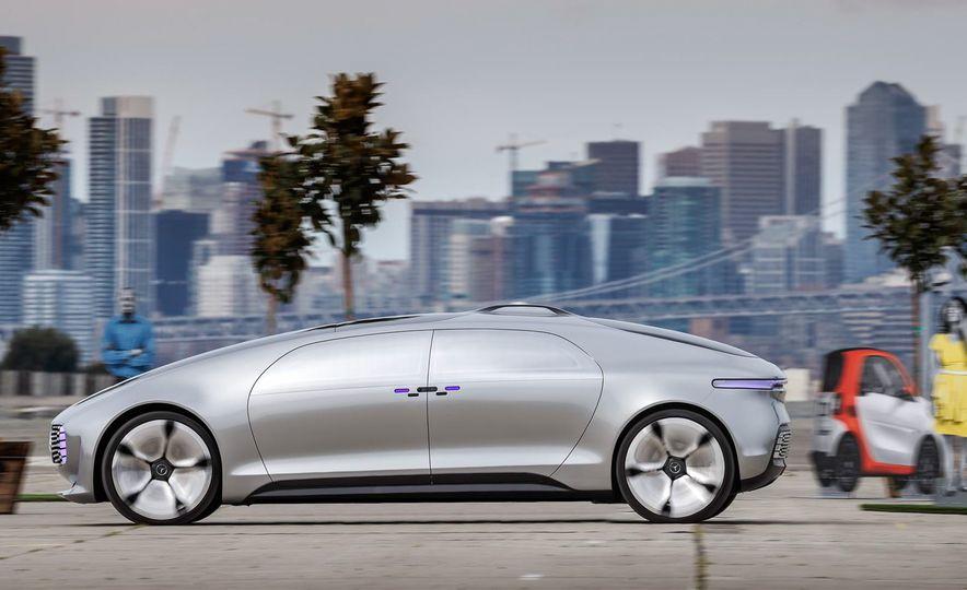 Mercedes-Benz F 015 Luxury in Motion prototype - Slide 6