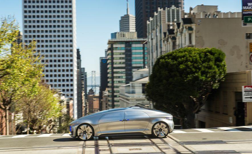 Mercedes-Benz F 015 Luxury in Motion prototype - Slide 7