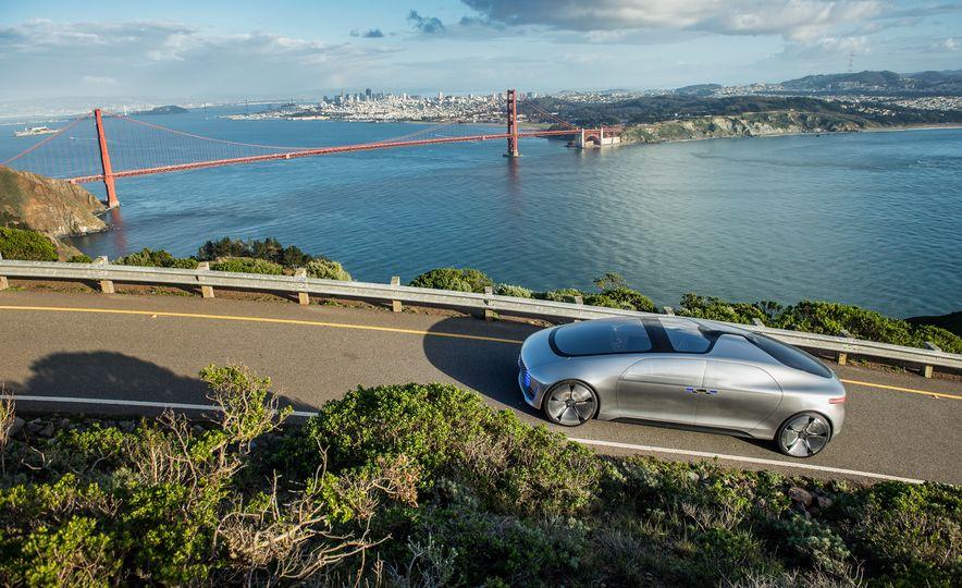 Mercedes-Benz F 015 Luxury in Motion prototype - Slide 10