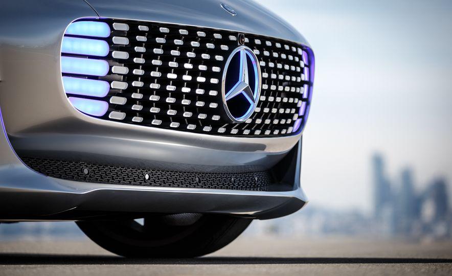 Mercedes-Benz F 015 Luxury in Motion prototype - Slide 30