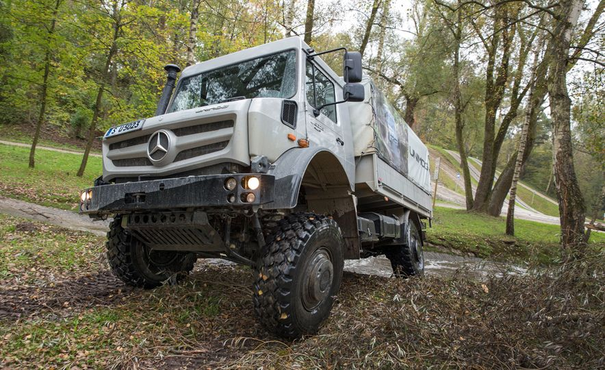 Mercedes-Benz Unimog: The Pickup/Other Thing Benz Has Been Building for Decades - Slide 8