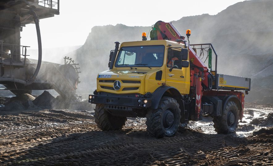 Mercedes-Benz Unimog: The Pickup/Other Thing Benz Has Been Building for Decades - Slide 13